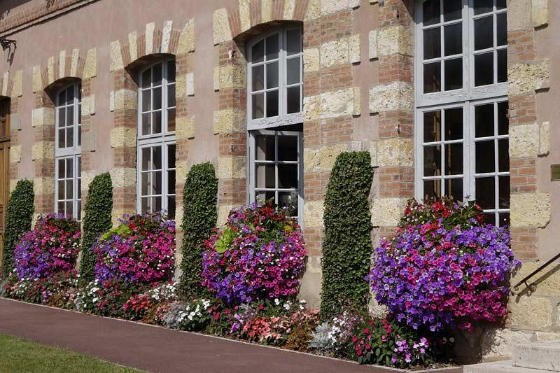 Bellegarde facade